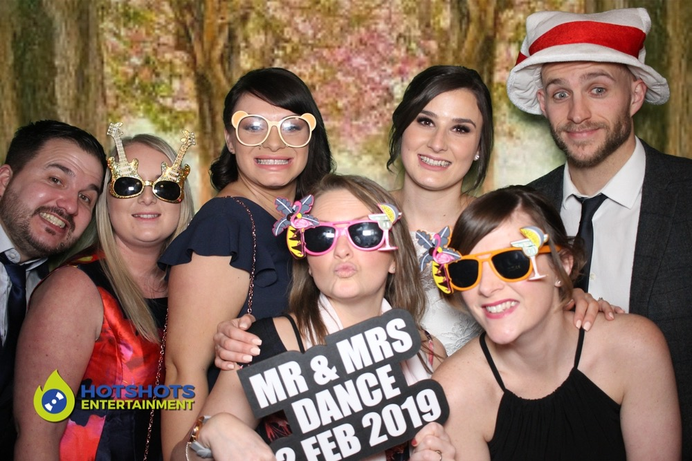 Mr & Mrs Dance wedding at Coombe Lodge with a open style photo booth.
