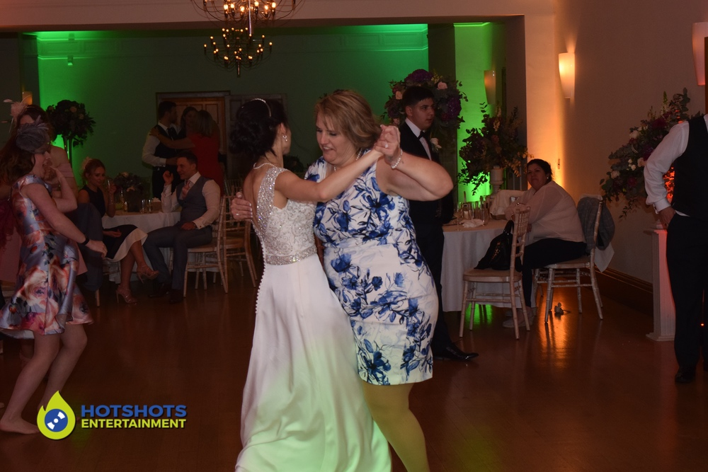 Mother and Daughter dance at Coombe Lodge