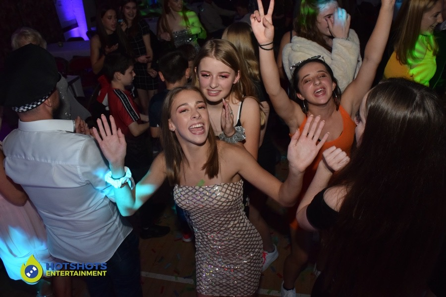 Sweet 16 birthday party dance off's