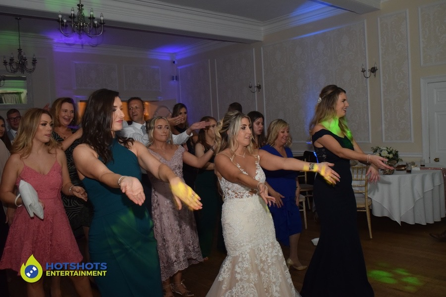 Wedding guests enjoying the evening to Macarena