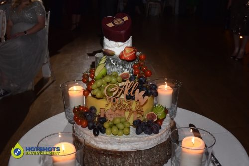 Loving cheese cake for a wedding